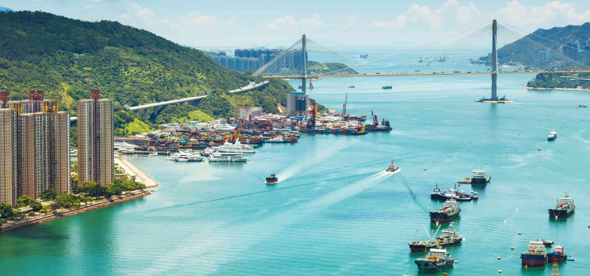 freight ships in hong kong